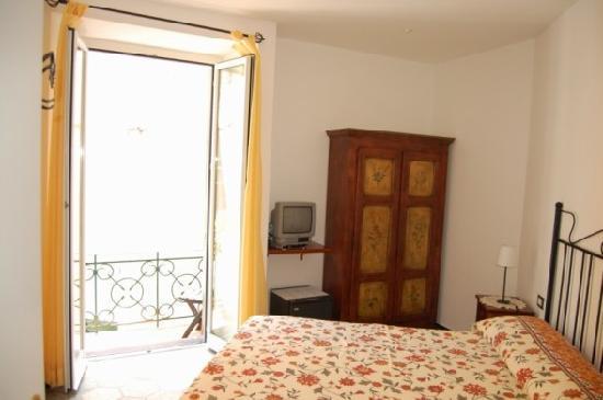 L\'Antica Terrazza room - Picture of L\'Antica Terrazza, Monterosso al ...