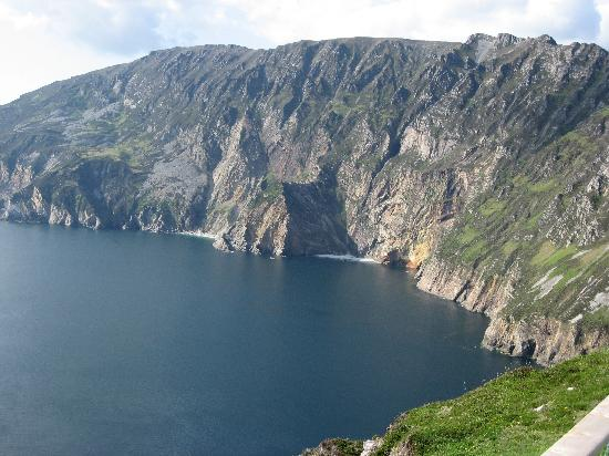 The Gap Lodge: Cliffs of Slieve League