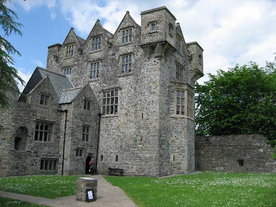 The Gap Lodge: Donegal Castle