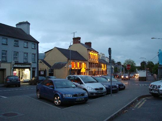 Kells, Irland: Hotel at night