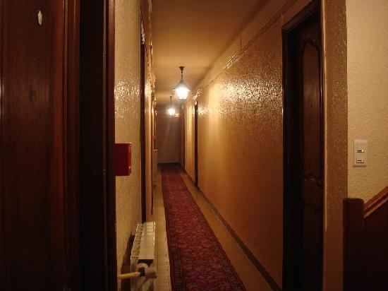 L'hostellerie de l'Eveche: Pasillo