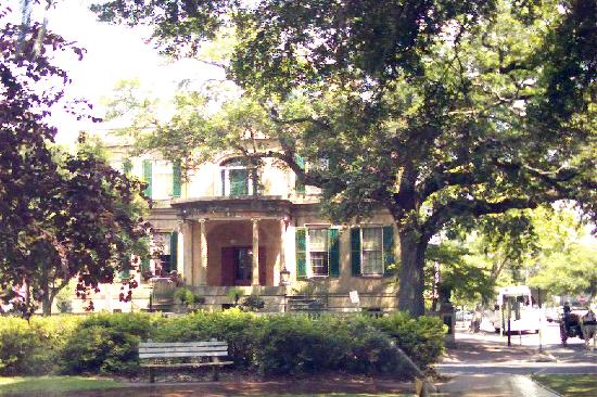 Best Western Savannah Gateway: The founder of the Girl Scouts Home