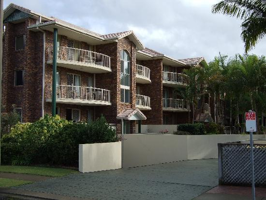 Oceanside Cove Apartments: View of Apartments from First Ave