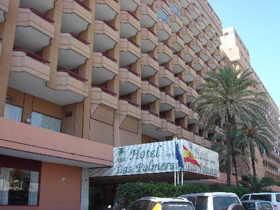 Hotel Las Palmeras: Front of the hotel