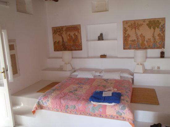 Hotel Raya: Bedroom