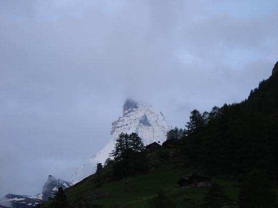 Le Petit CHARME-INN: Matterhorn from sundeck