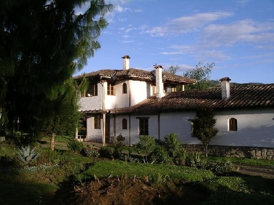 Hotel Cuello de Luna: front view