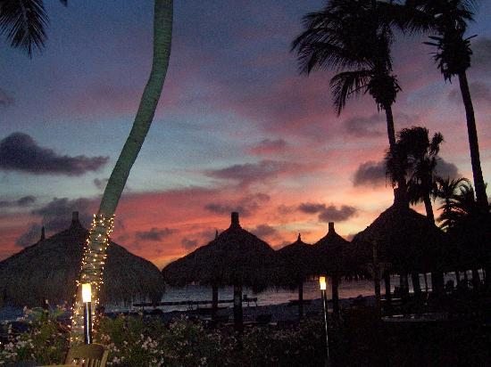 Aruba Beach Club: Aruban sunset