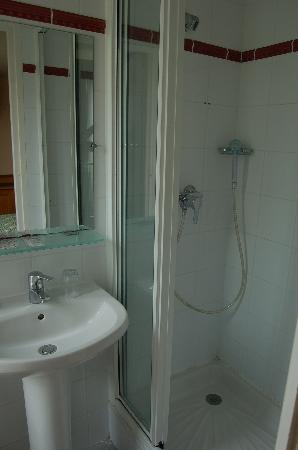 Hotel du Mont Dore: bathroom