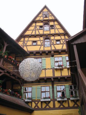 Hezelhof Hotel: Back of the hotel