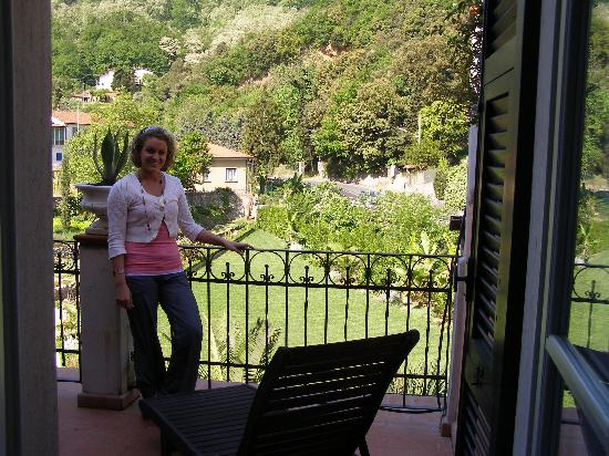 La Musa Guest House: Whitney on Clio's balcony
