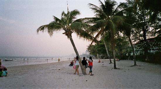 Hua Hin Kings Home: The beach of Huahin