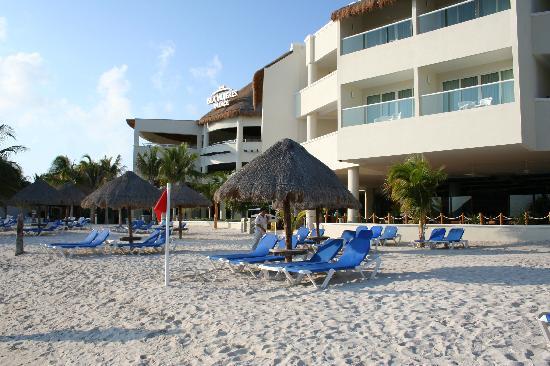 Isla Mujeres Palace: The beach