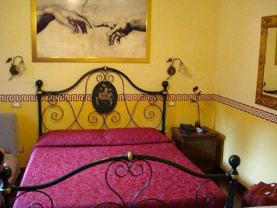 Le Suite di Via Ottaviano : room (view from the bathroom)