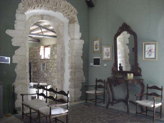 Country House Donalegge: view of one of the public rooms