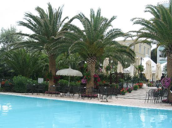 Hotel Mion: piscina hotel
