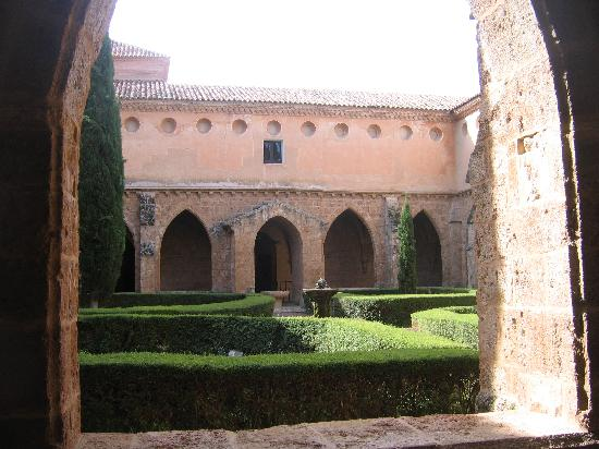 Monasterio de Piedra: Cloister rooms, tiny windows