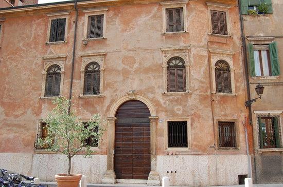 Vérone, Italie : antico palazzo veronese