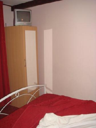 Hotel Kalliste: Closet from IKEA