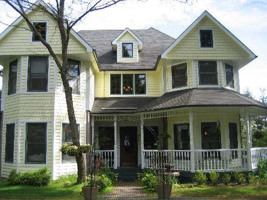 Wildwood Manor Bed and Breakfast: Wildwood Manor