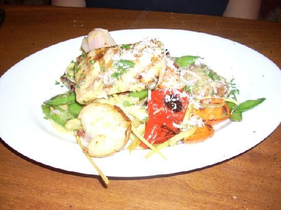 BRIO Tuscan Grille: Mahi Mahi dish