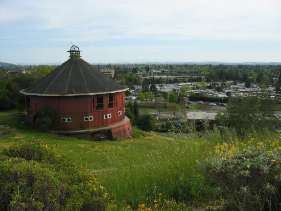Red barn picture of hilton sonoma wine country santa for Sonoma barn