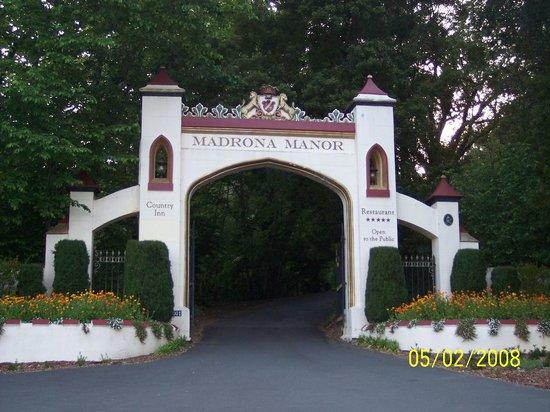 Madrona Manor Restaurant: Madrona Manor Entrance