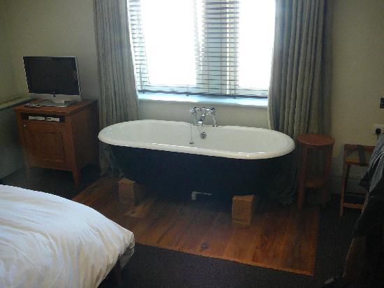 Hotel du Vin Cheltenham: Bedroom (superior double)