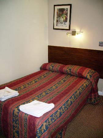 Westbury Hotel Kensington: double room