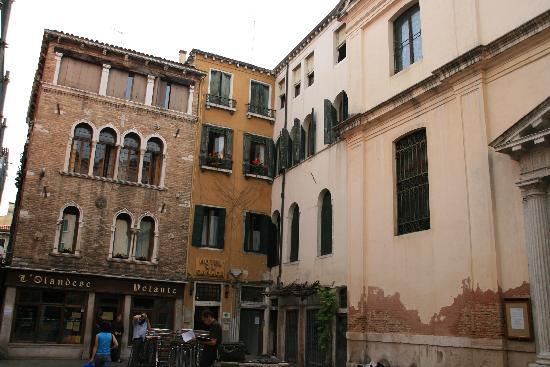 Hotel Canada Venezia : Situation de l'hôtel