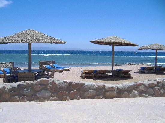 Eldorado Lodge & Restaurant: spiaggia attrezzata