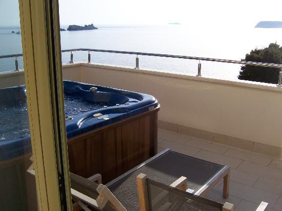 Hotel More: Terrasse mit Jacuzzi
