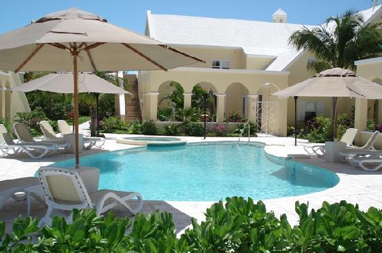 Reef Residences on Grace Bay: pool