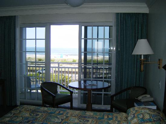 La Mer Beachfront  Inn: veiw from the room