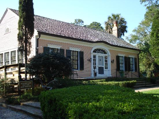 Alfred B. Maclay Gardens State Park: the maclay house