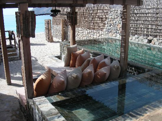 Six Senses Zighy Bay: Our pool and outdoor sitting area, or majlis