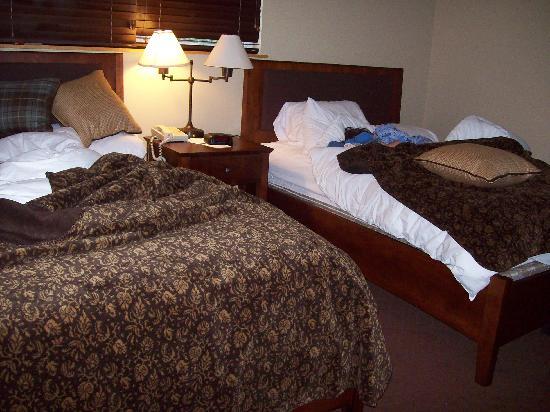 Green Mountain Suites Hotel: Bedroom one