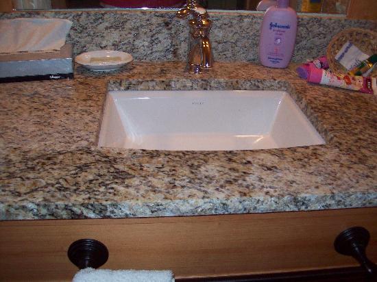 Green Mountain Suites Hotel Nice New Bathroom Sink