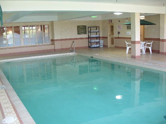 دايز إن - أوريليا: pool