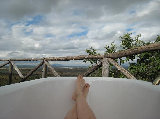 Boundary Hill Lodge: View from outdoor tub