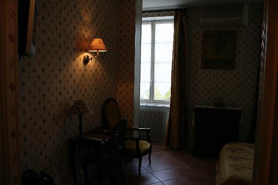Hotel Grillon room