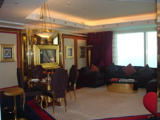Burj Al Arab Jumeirah: Living room