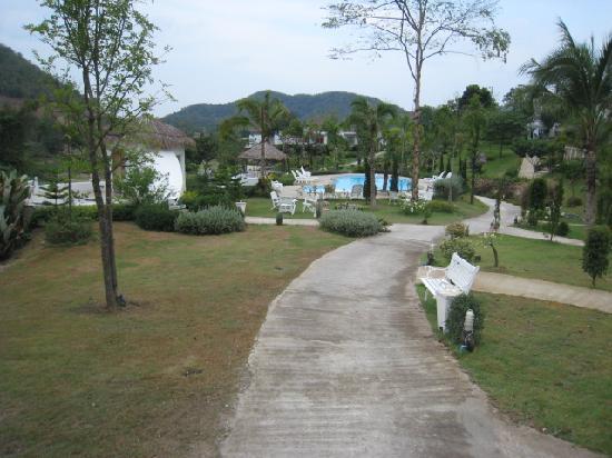 Baan Aom Kod Kun Kao Resort : go ahead