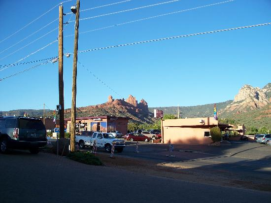 Sedona Motel: view from parkig lot, road construction during our stay.