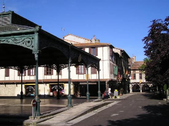 Hotel Le Commerce: Mirepoix Market Place
