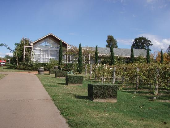 Hunter Valley Cooperage Bed & Breakfast: The Cooperage