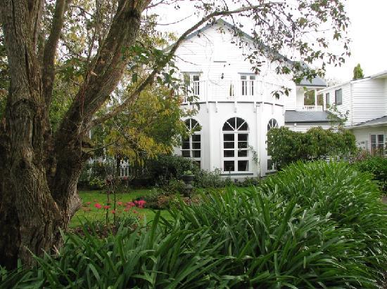Country Lane Homestay: Lovely garden