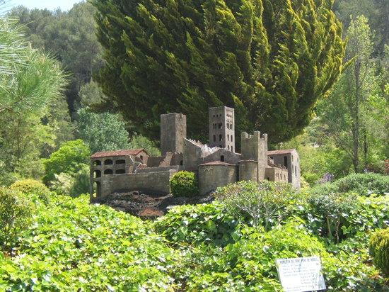 Catalonia in Miniature : Monestir de sant Peres de Rodes