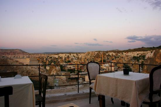 Aydinli Cave Hotel: The terrace.