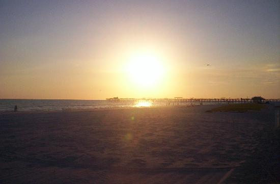 North Redington Beach, FL: Sunset from our patio.
